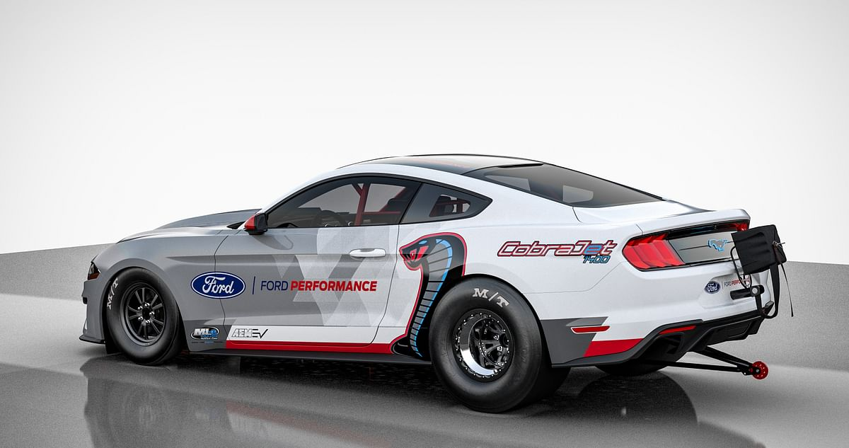 Ford has teamed up with multiple specialized suppliers to build the Cobra Jet 1400