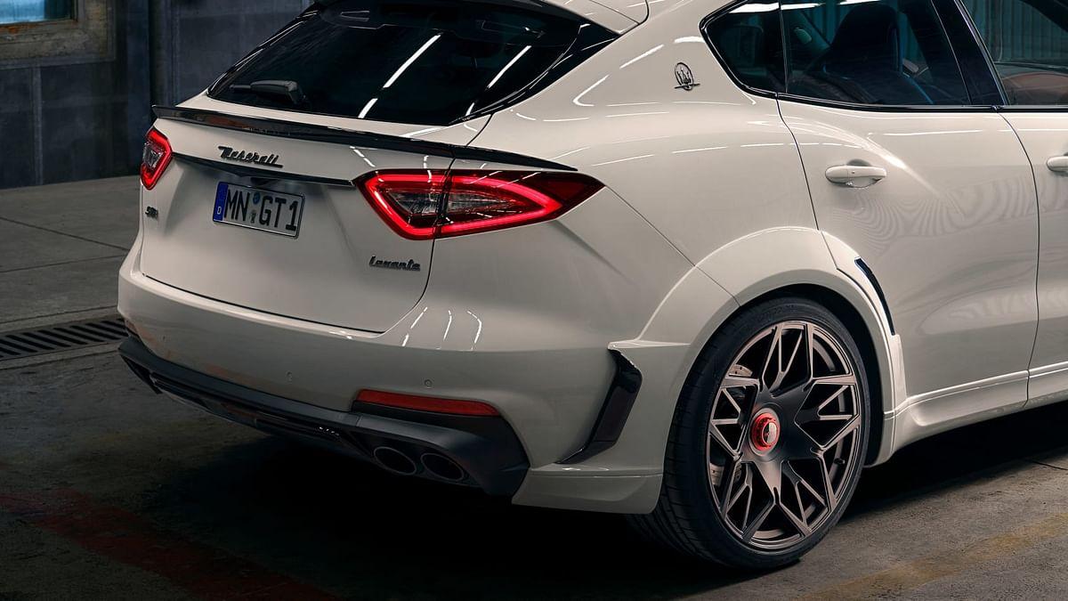 Novitec Maserati Levante -flared wheelarch