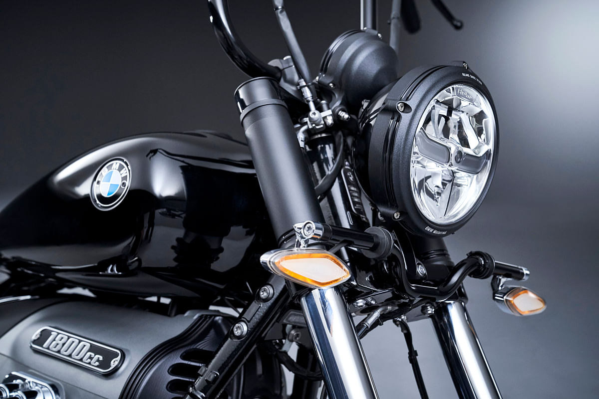 BMW R 18  custom indicator
