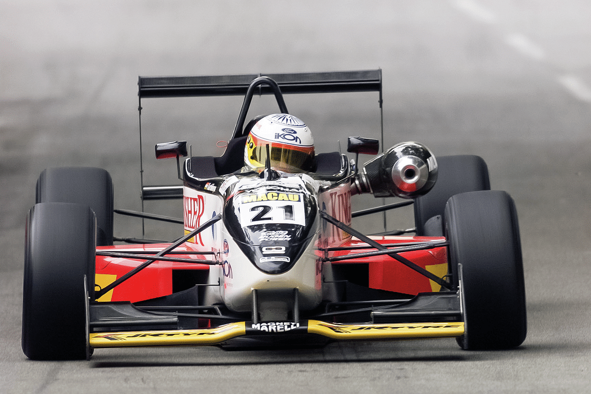 Narain spent 1998, 1999 and 2000 racing in the legendary British Formula 3 Championship, against drivers like Jenson Button and Takuma Sato, beating them on occasion.