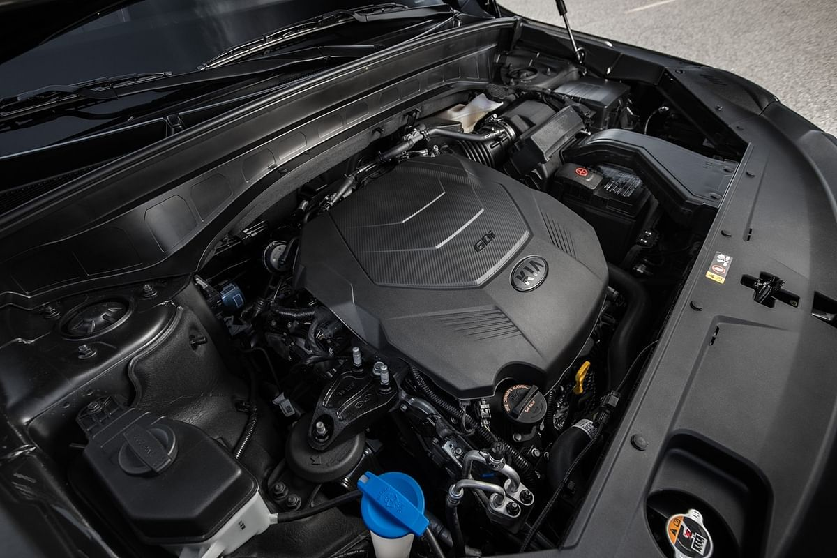 It gets a V6 petrol motor that produces 291hp and 355Nm of torque.