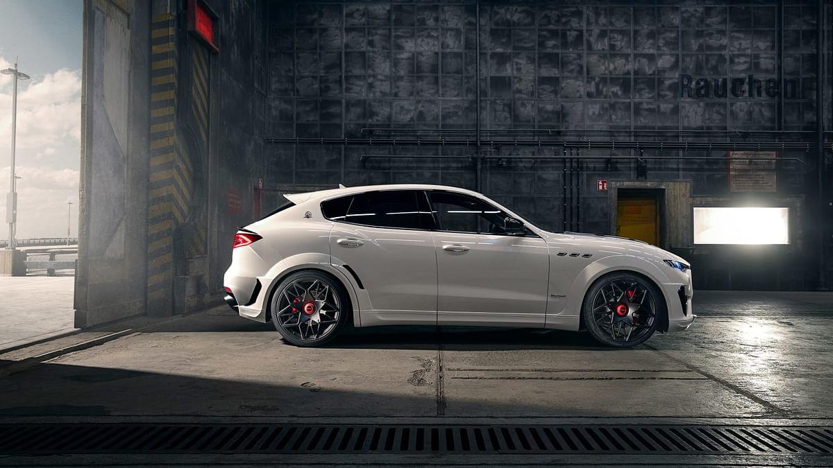 Novitec Maserati Levante -right profile