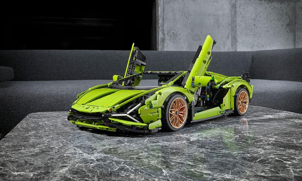 Lamborghini and Lego recreate the Sian FKP 37 hypercar in 1:8 scale