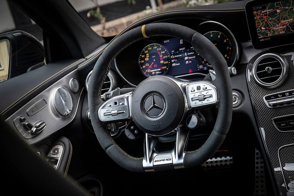 Tasteful elements in the cabin of the C 63 Coupe