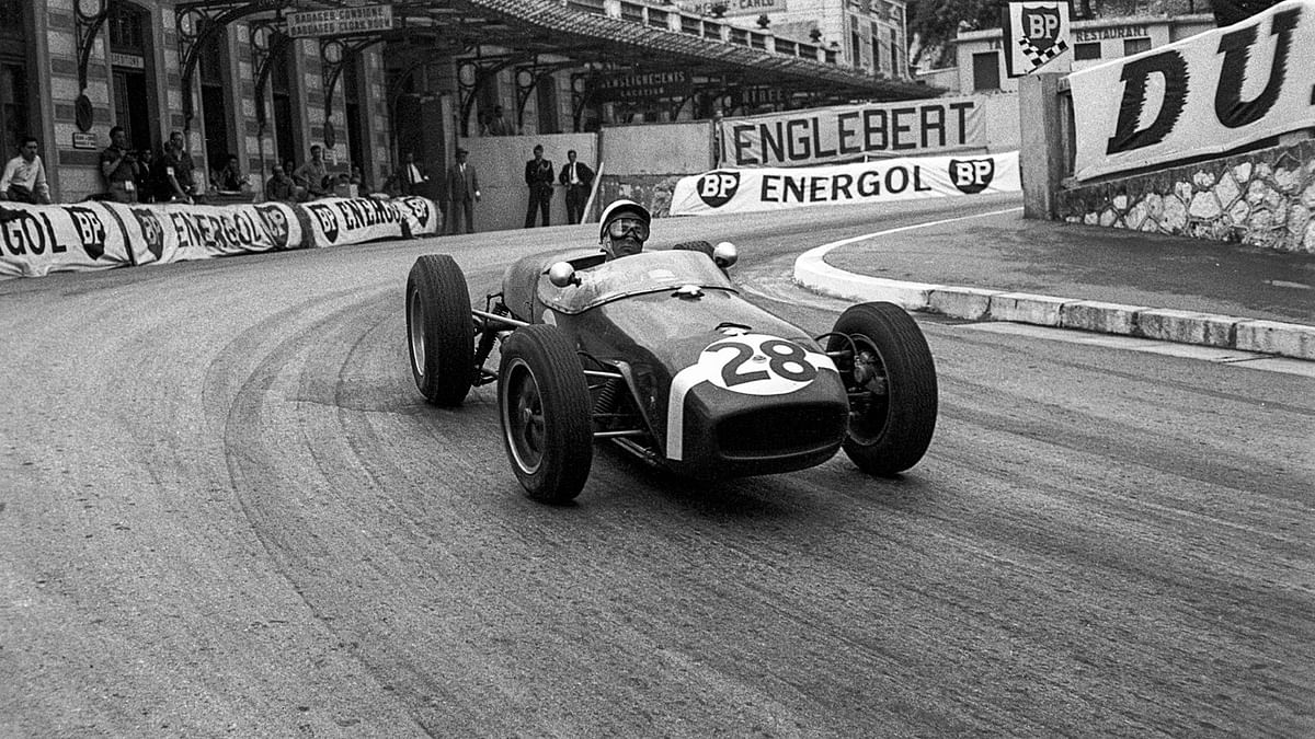 Sterling Moss in the Lotus Type 18 at the 1960 Monaco GP
