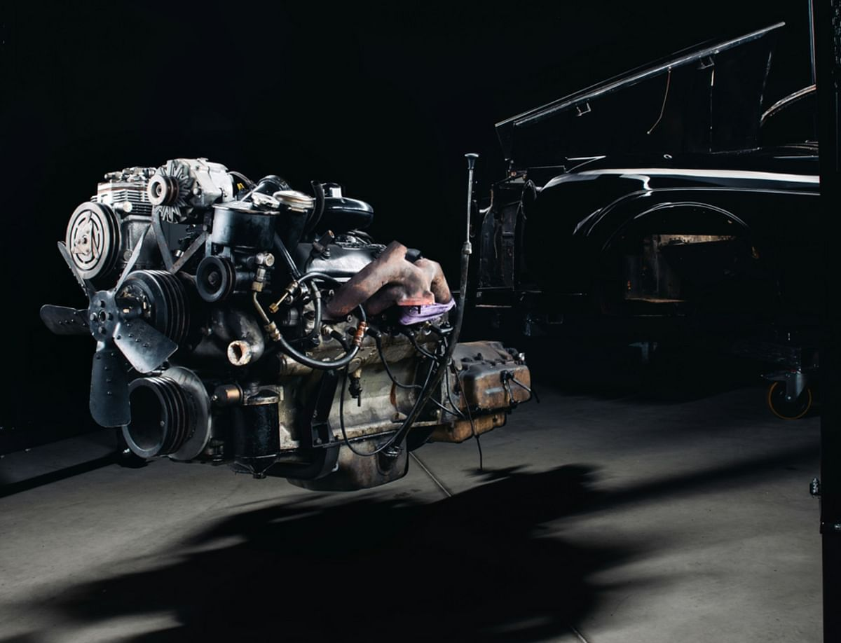 Separating the Rolls-Royce engine from the chassis