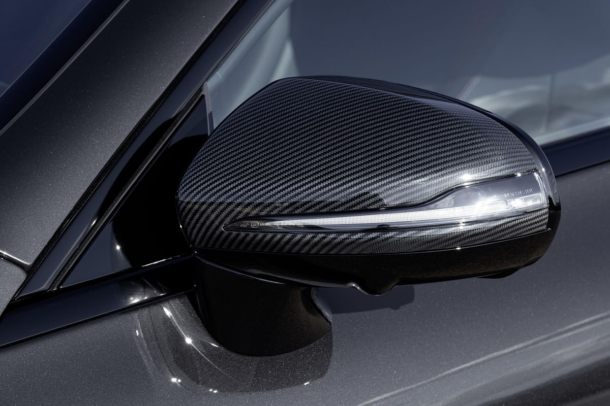 The optional AMG Night Package also includes the carbonfibre mirror housing