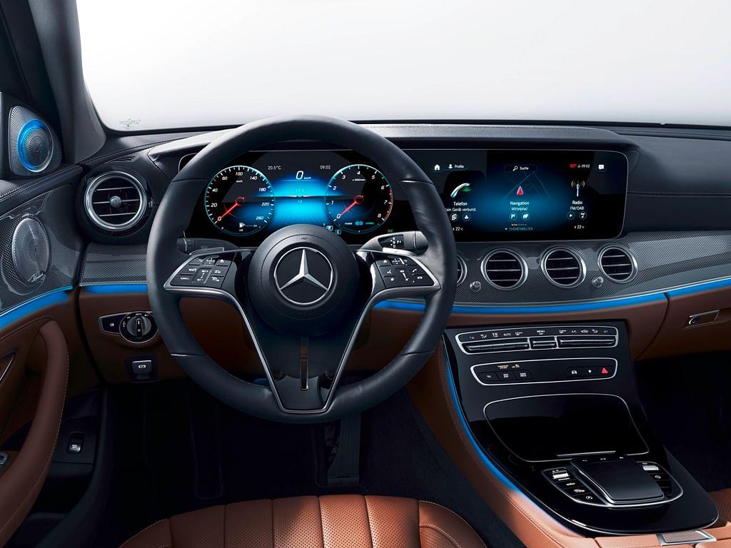 2020: Capacitive steering wheel
