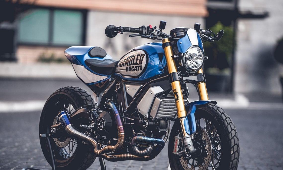 The bike is part of the Bully category the one dedicated to the Scrambler Ducati 1100 without any restrictions on the type of bike or style.