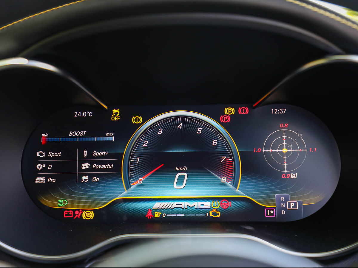 Fully digital instrument cluster replaces the analogue dials