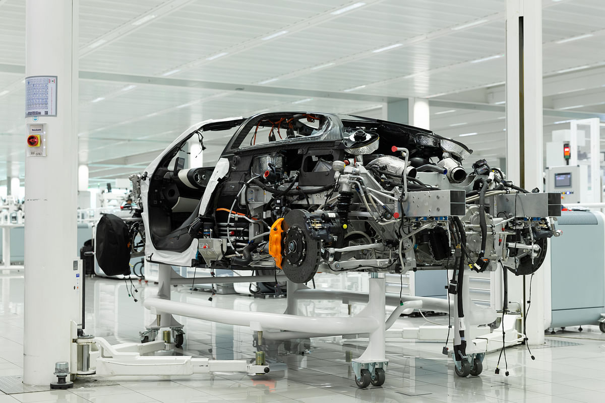 McLaren Speedtail engine and chassis