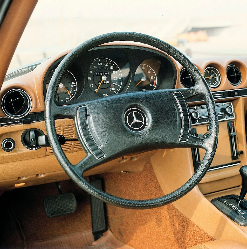 1971: The four-spoke 'safety' steering wheel, with horn buttons on the sides