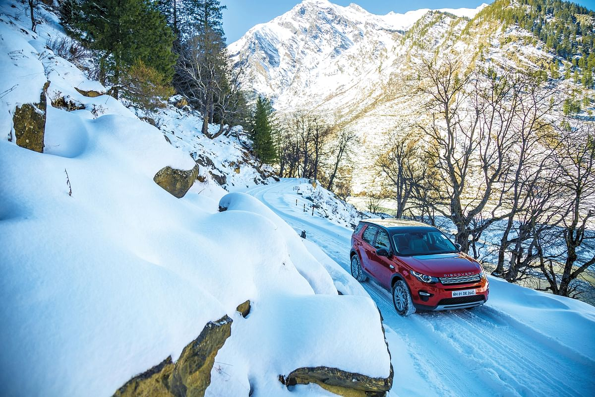 Image Gallery | Land Rover Discovery Sport in snow | Nelong valley