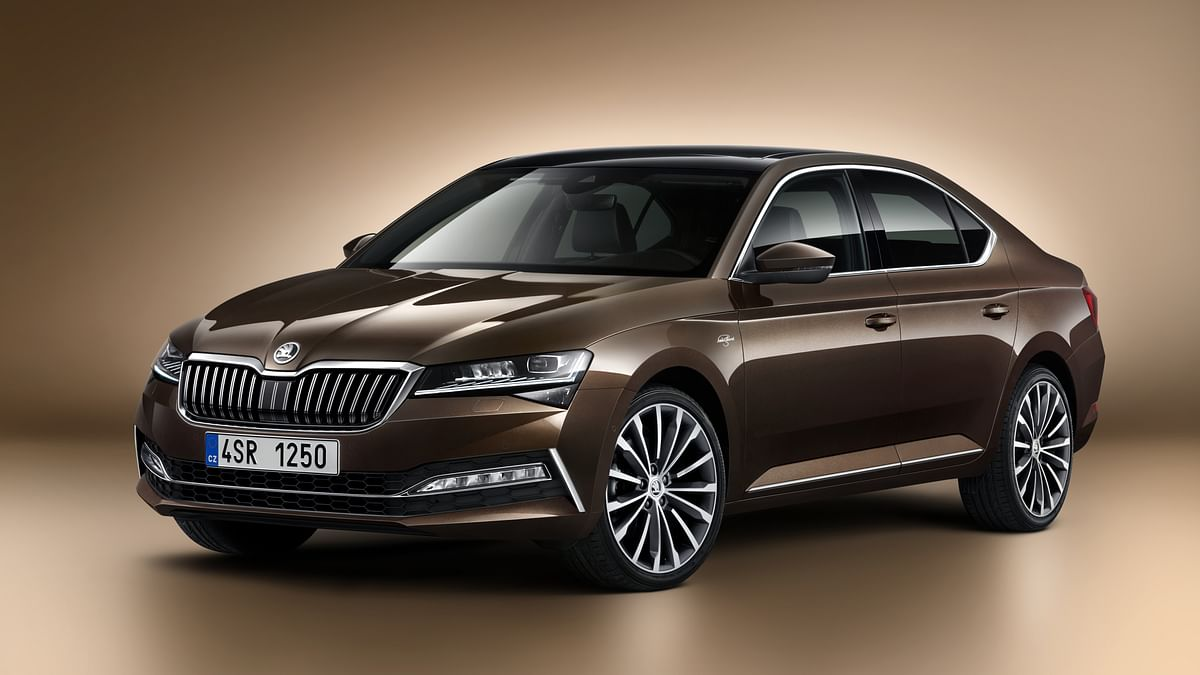 Skoda Superb facelift bookings open
