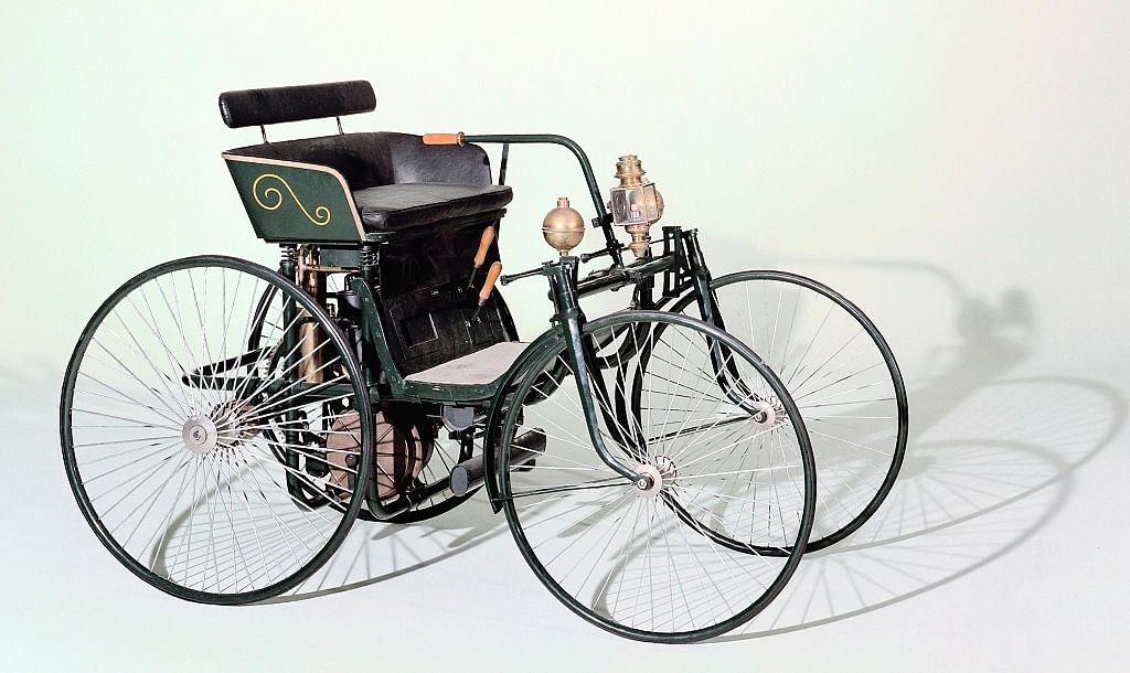 1899 Daimler-Maybach Stahlwagen with steering lever