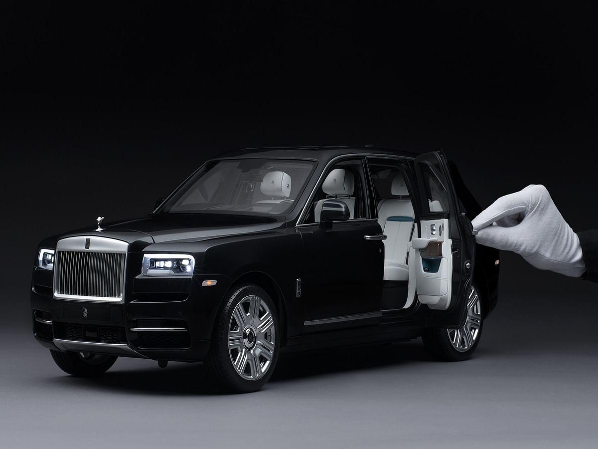 Rolls-Royce replicates the Cullinan, in 1:8 scale