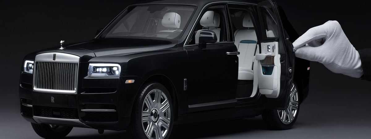 The 1:8 scale model of the Cullinan  allows the customers to customize their scale model to match their actual car perfectly.