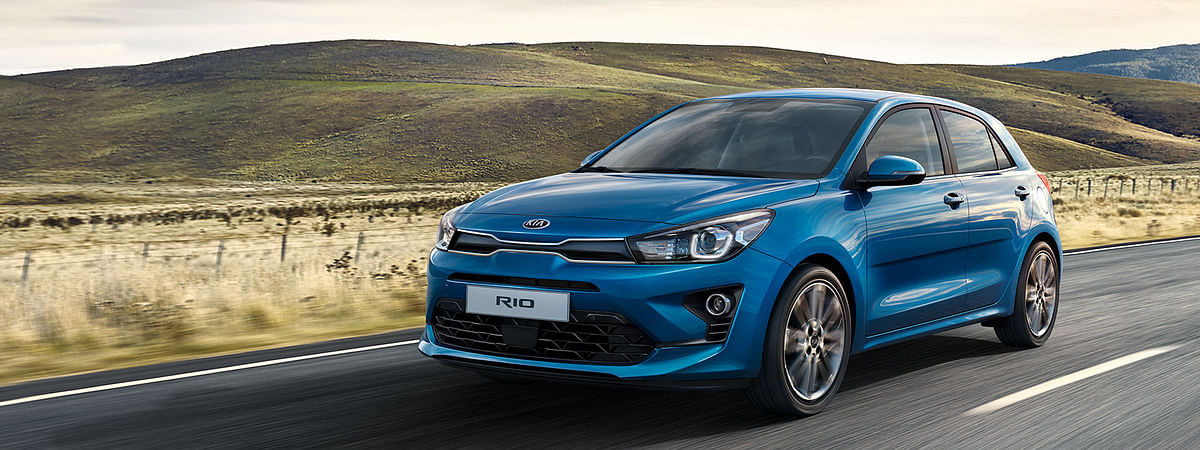 Typical Kia front end with the tiger nose grille