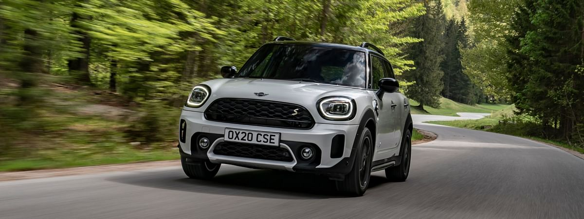 The refreshed Countryman now not only gets cosmetic updates but also receives more goodies inside the cabin.