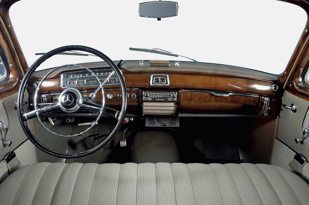 1951: The column gearshift makes its debut