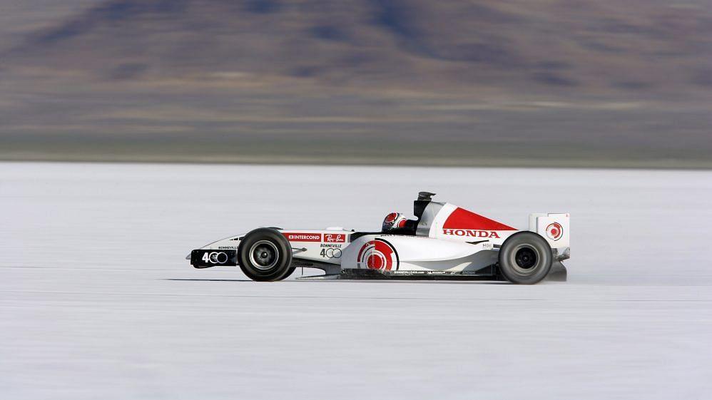 Alan Van der Merwe in the BAR Honda at the Mojave desert