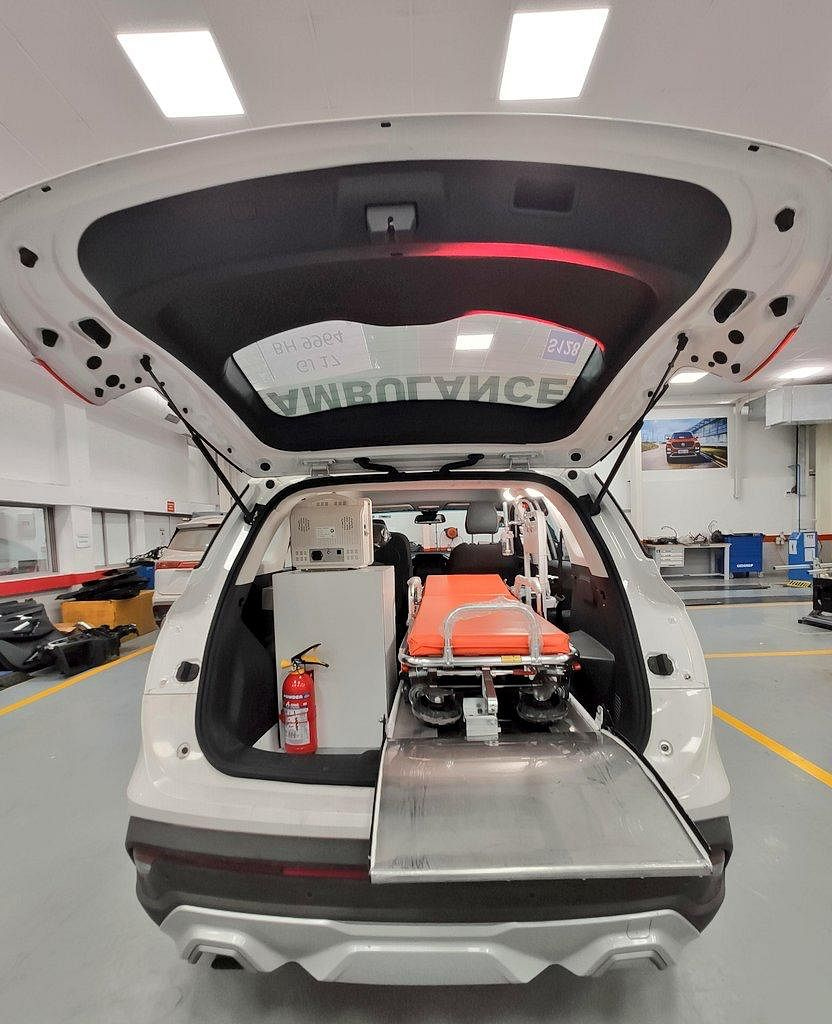 MG Hector has been equipped with all the essential medical equipment you would see in a traditional ambulance.