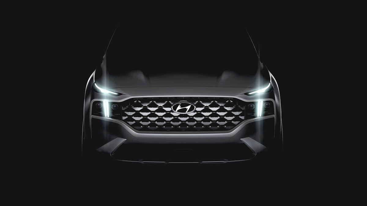 Hyundai teases upcoming facelifted Santa Fe