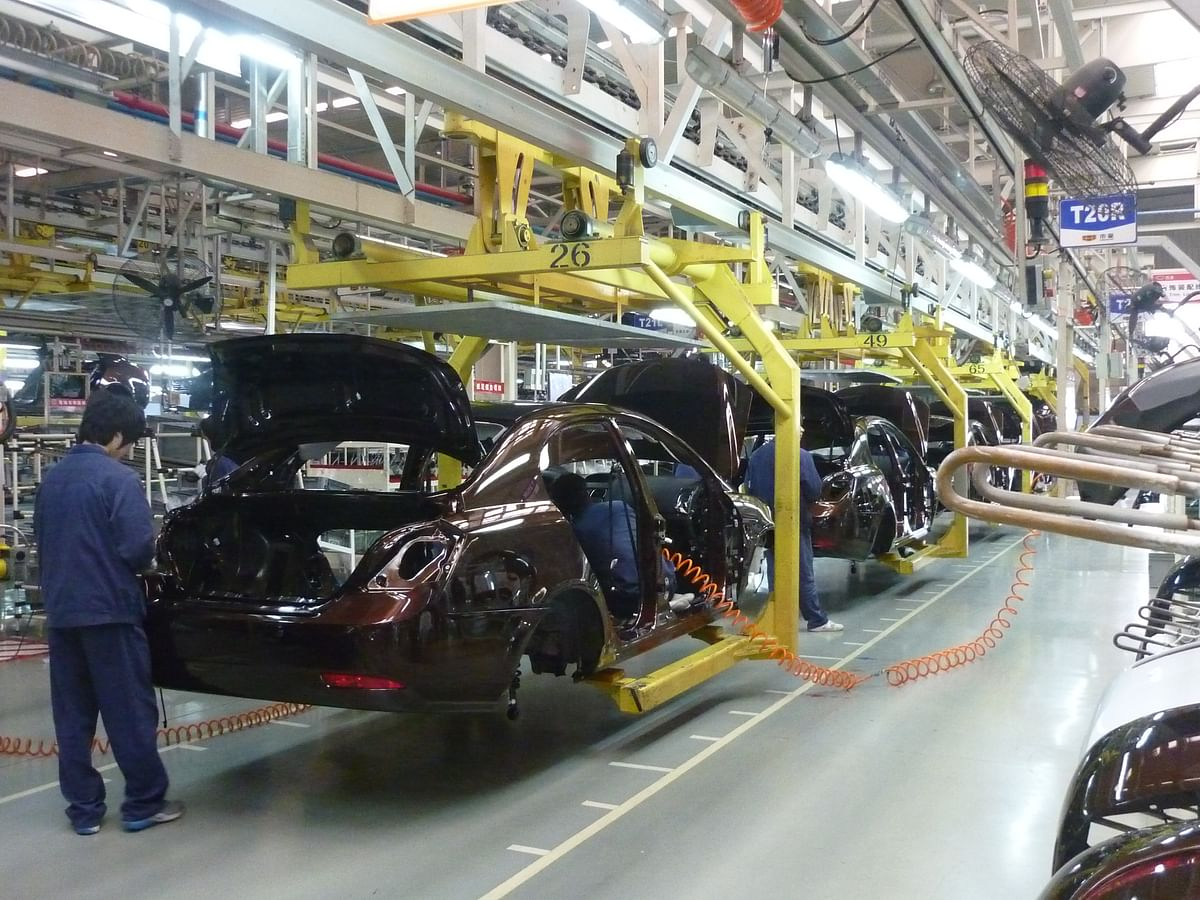 Major automotive manufacturers resume production