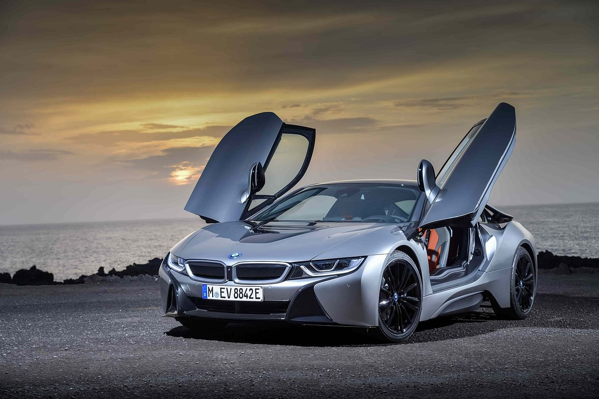 The i8 looks modern while being true to its origins