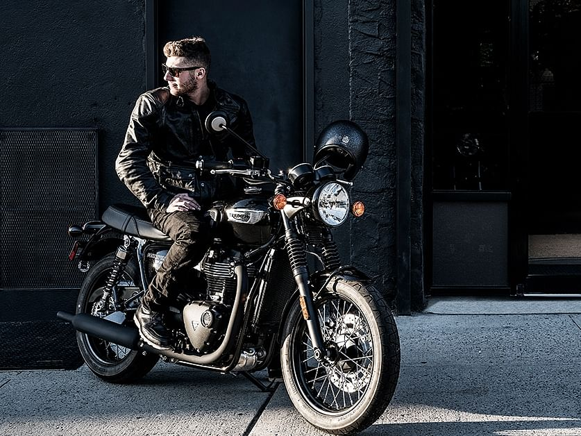 Both the bikes are placed under the Modern Classic range of the Triumph's lineup.