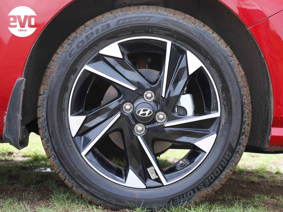 16-inch diamond cut alloys