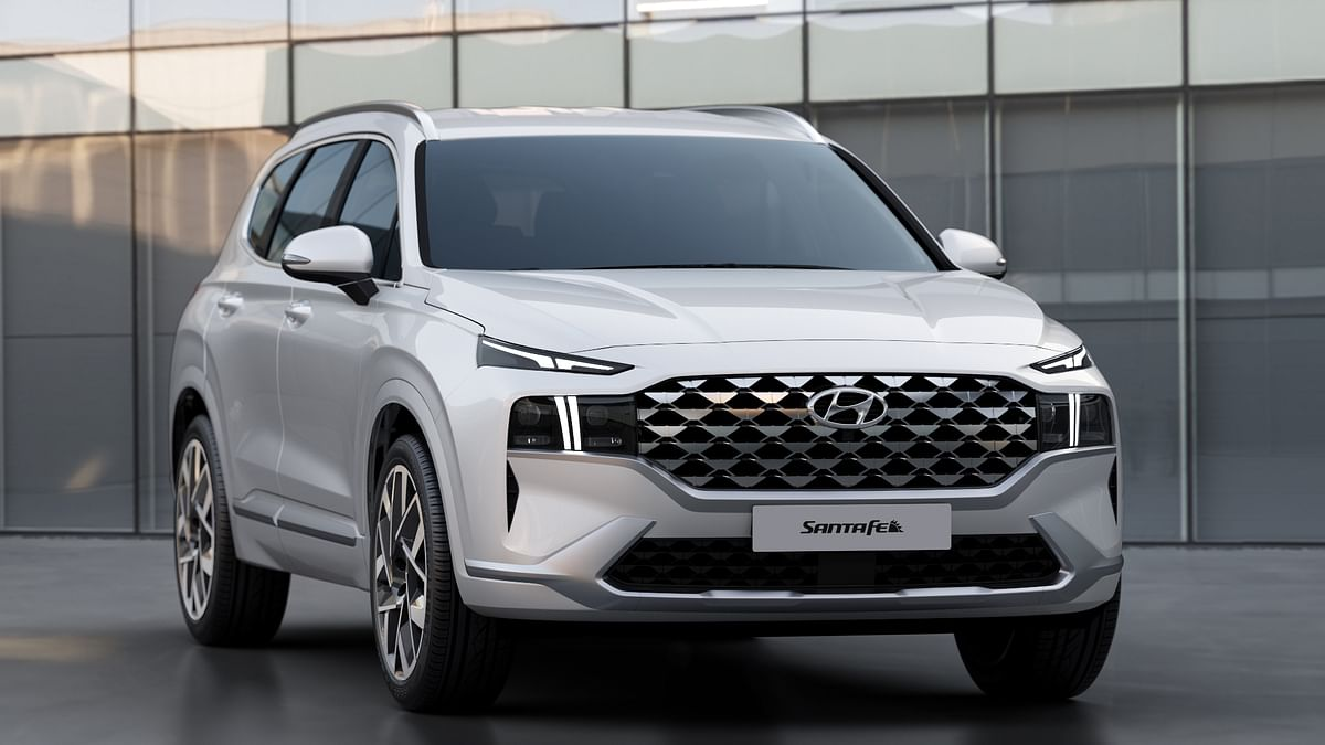 Hyundai Motor unveils design of new Santa Fe SUV