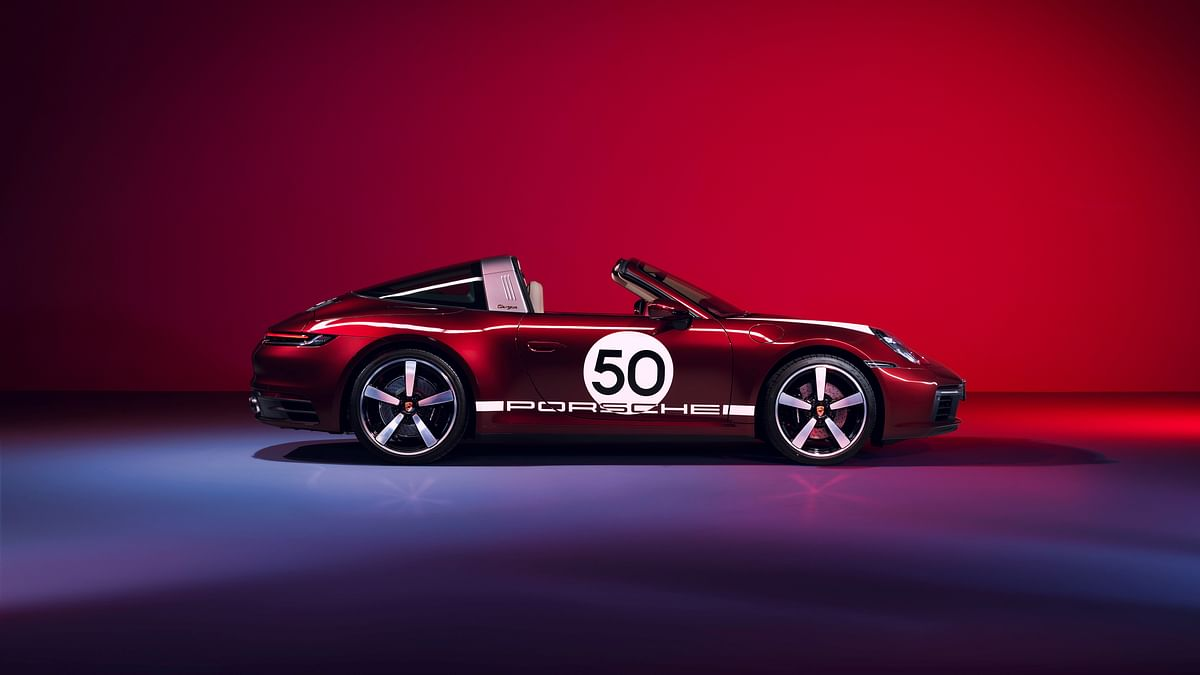Porsche showcases 911 Targa 4S Heritage Design Edition