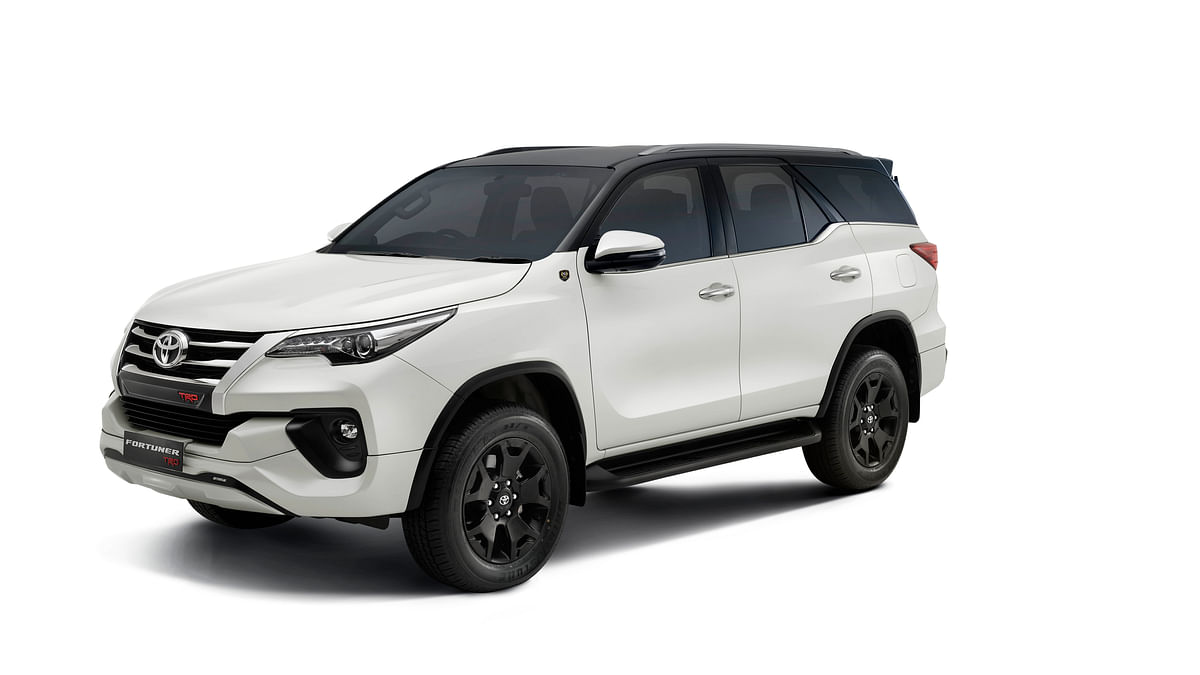 Facelifted Toyota Fortuner to be revealed on June 4