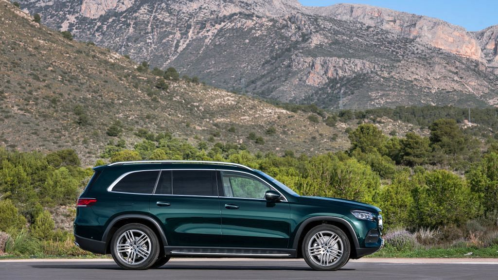 The strong character lines make the side profile of the GLS more appealing