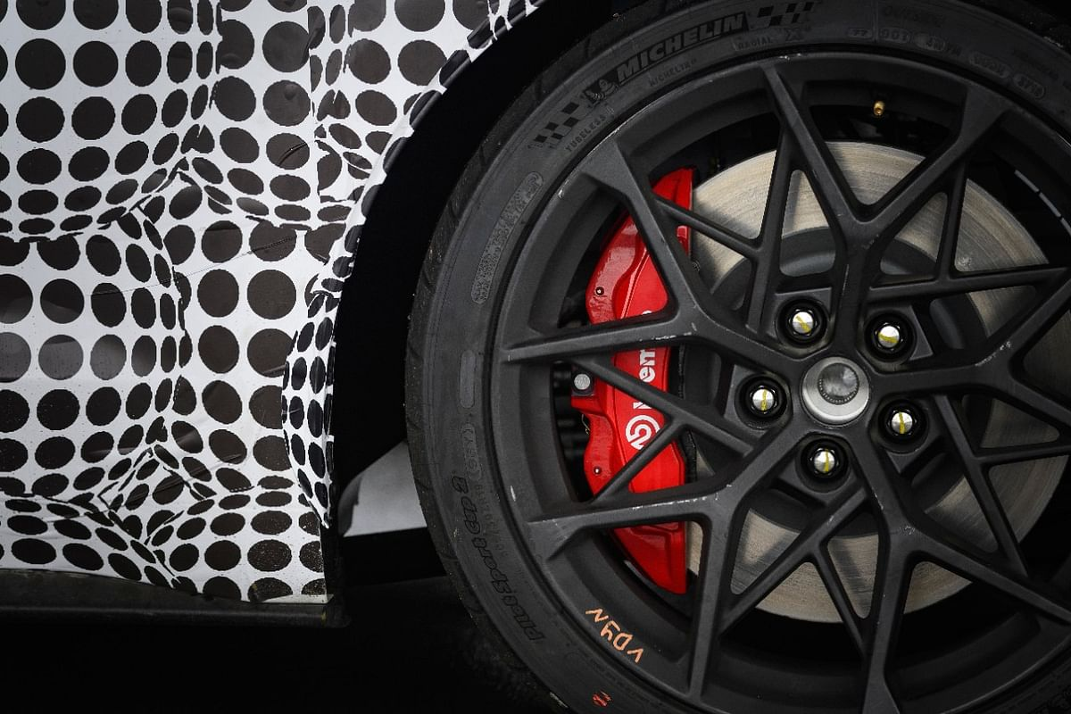 Notice the Brembo anchors!
