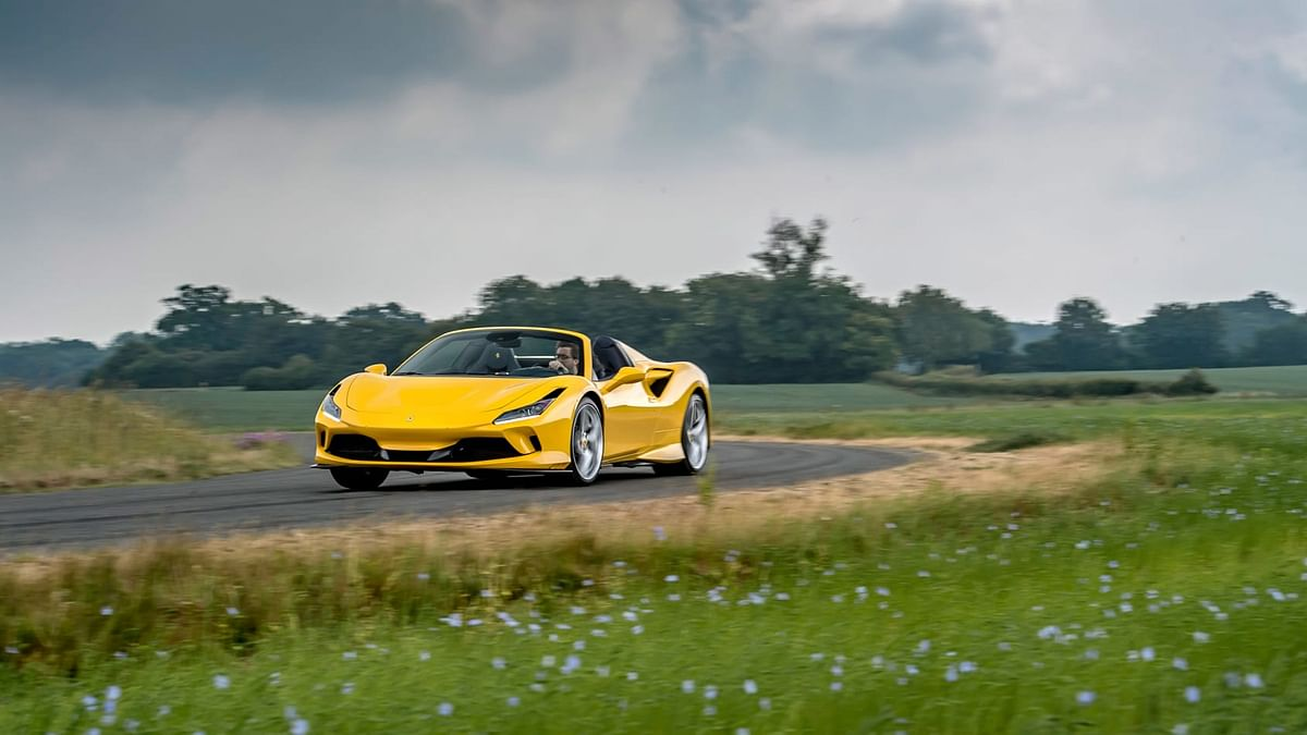 The Ferrari F8 Spider looks better with the roof down