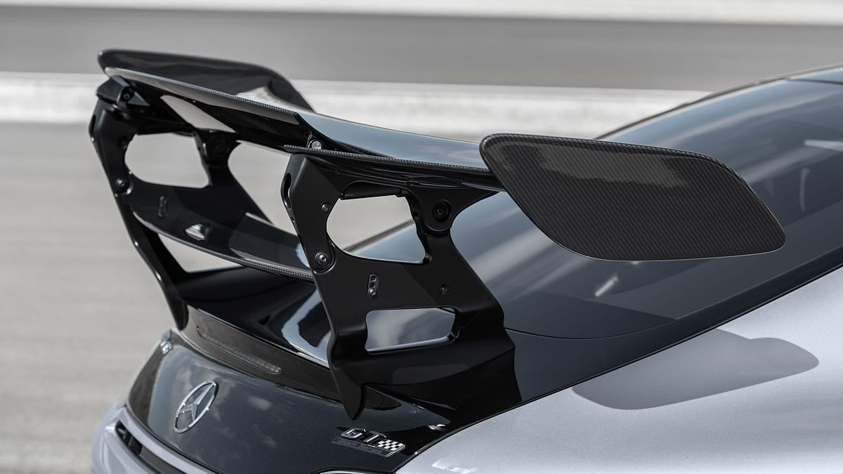 The rear wing and diffuser combination that are the most assertive aero device, taking direct inspiration from the GT racers
