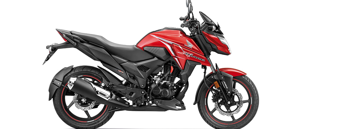 The Honda X-Blade BS6 comes in two variants