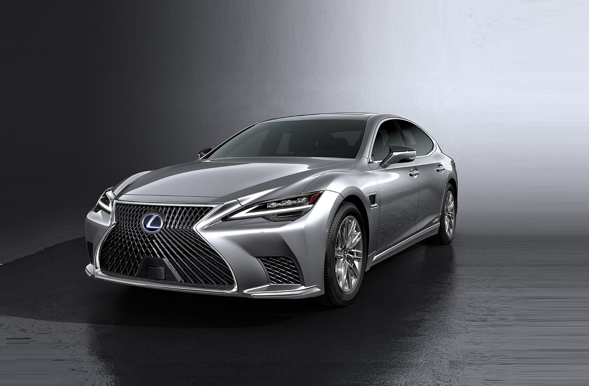 Lexus premieres new LS sedan