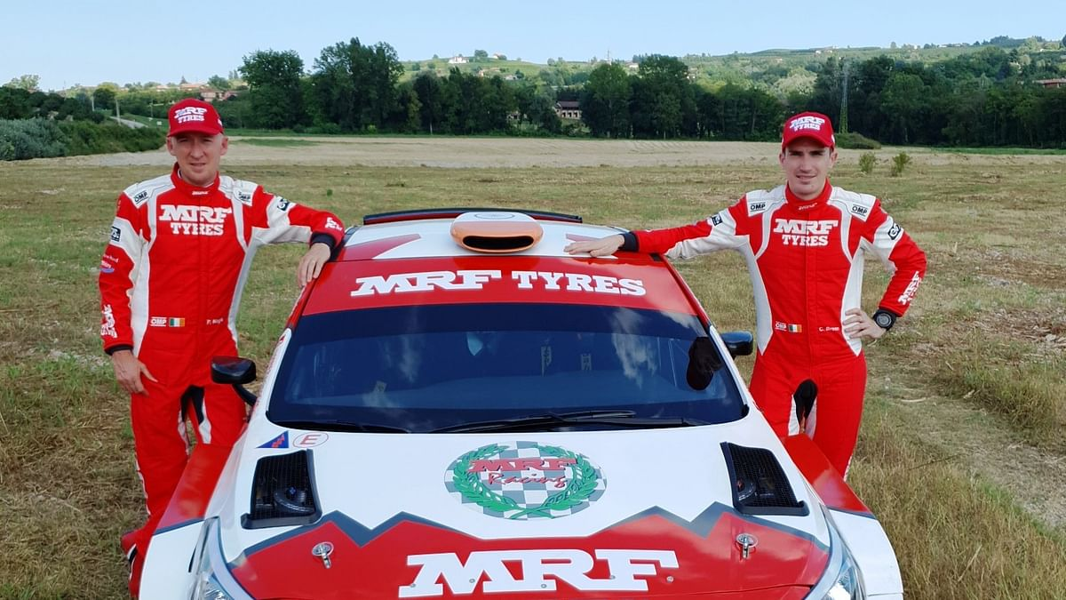 Craig Breen (right) and Paul Nagle with the Team MRF Tyres Hyundai i20 R5