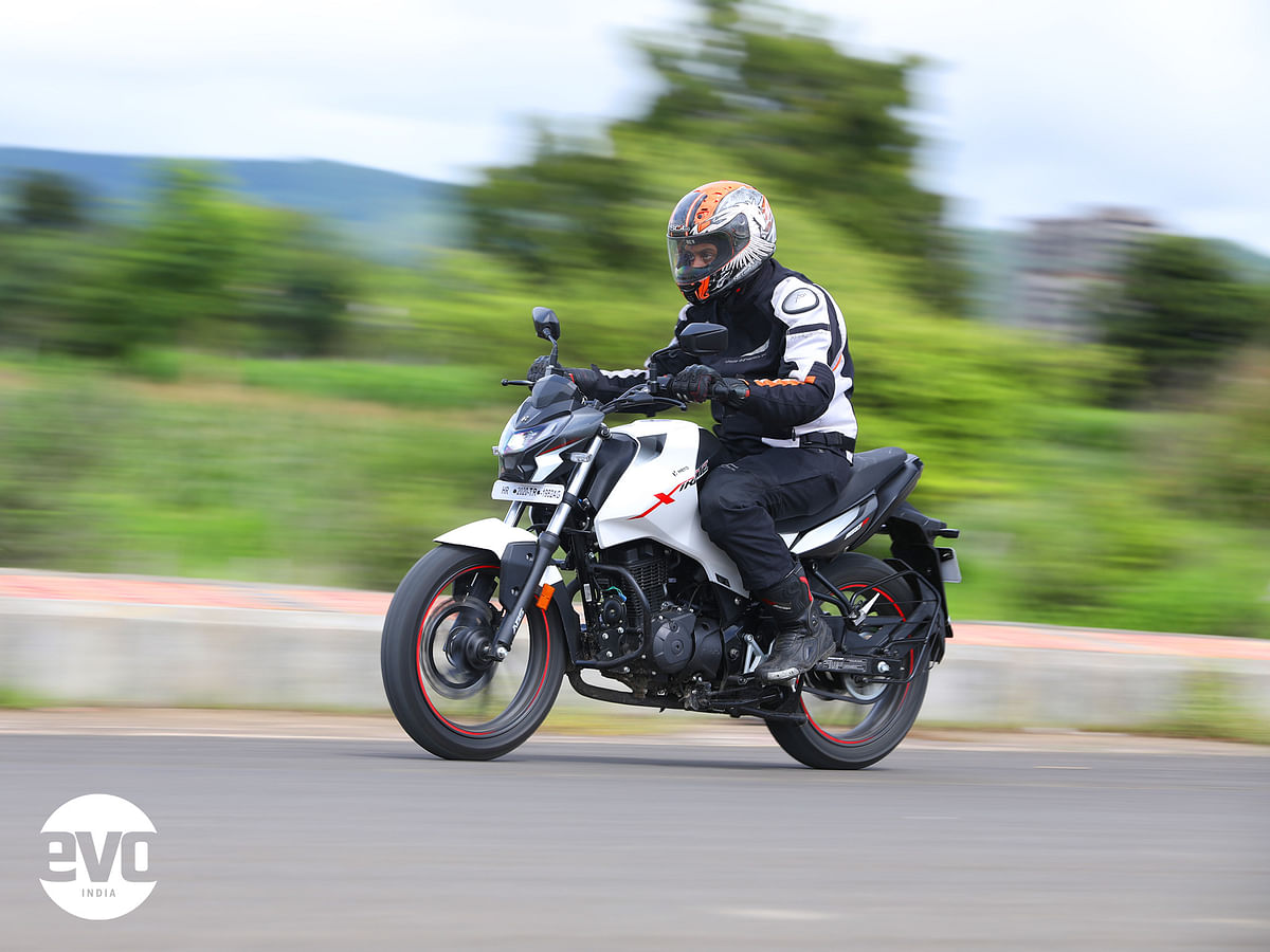 The Xtreme 160 R is a good combo of comfort and usable performance