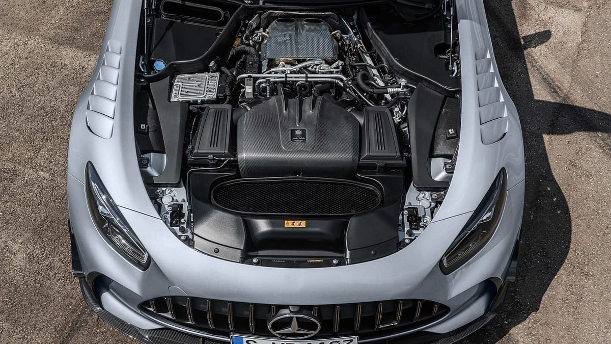 The new engine's power is sent exclusively to the rear wheels via an uprated version of the standard GT R's transaxle seven-speed dual-clutch transmission through a carbonfibre torque tube