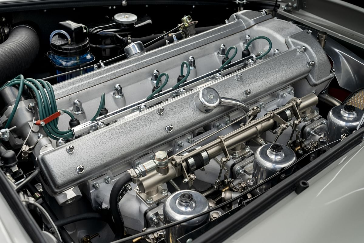 In-line six cylinder engine