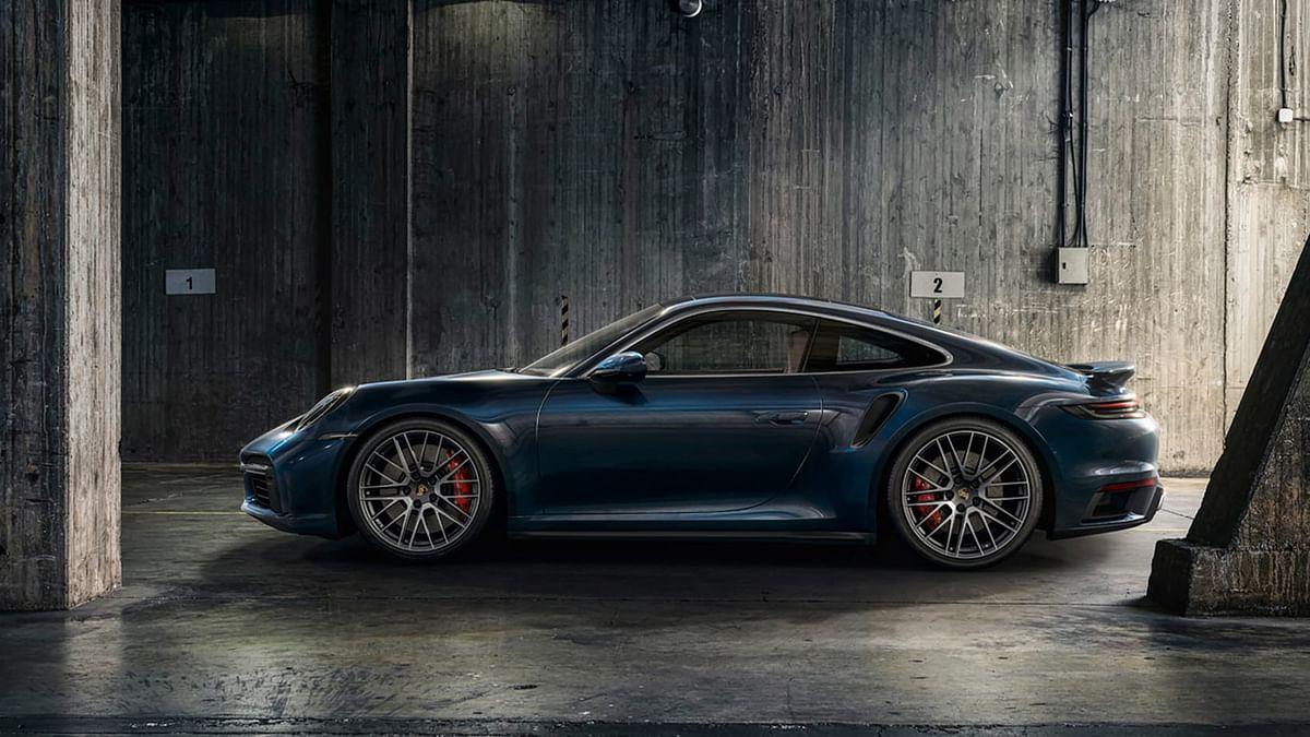 Runs on cast iron discs, rather than Porsche's mid-level ceramic-coated items