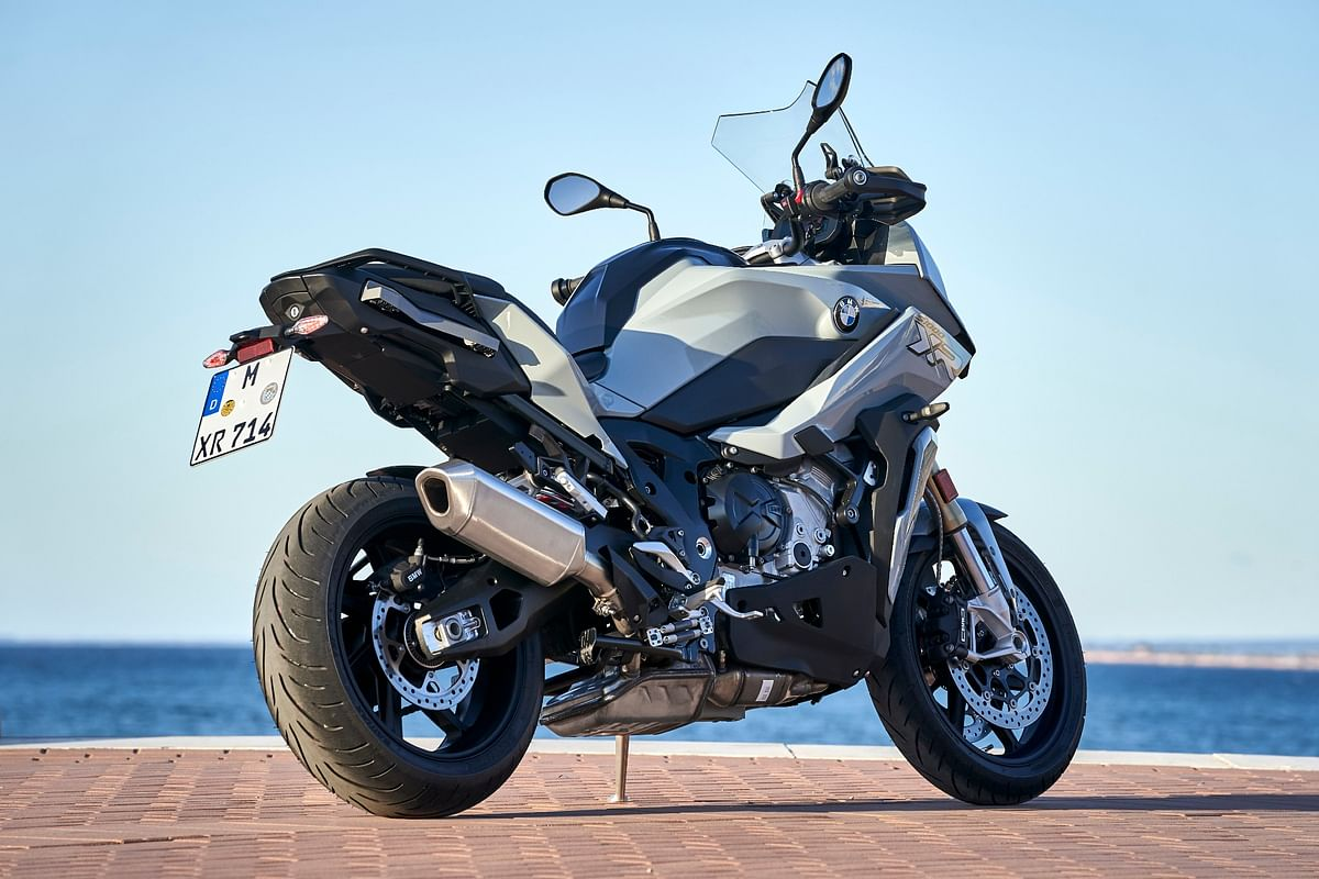 The S 1000 XR features BMW's familiar XR design language and looks very similar to to the recently launched F 900 XR