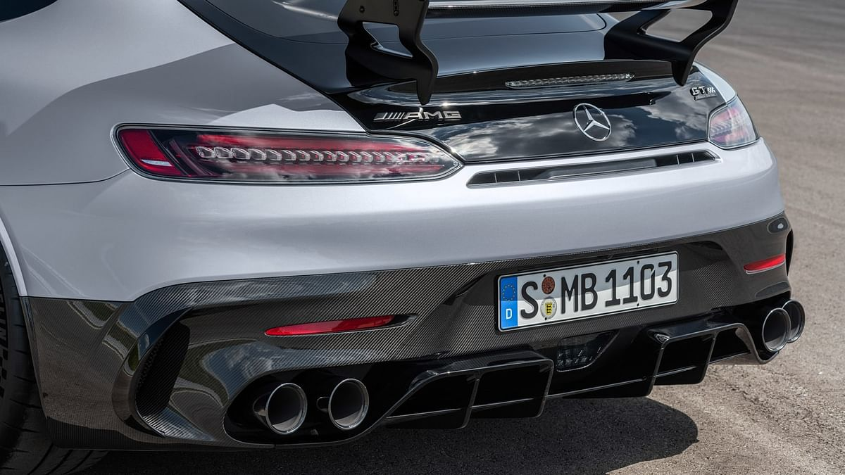 The complicated triple-outlet exhaust system of the GT R has also been replaced with a more traditional system