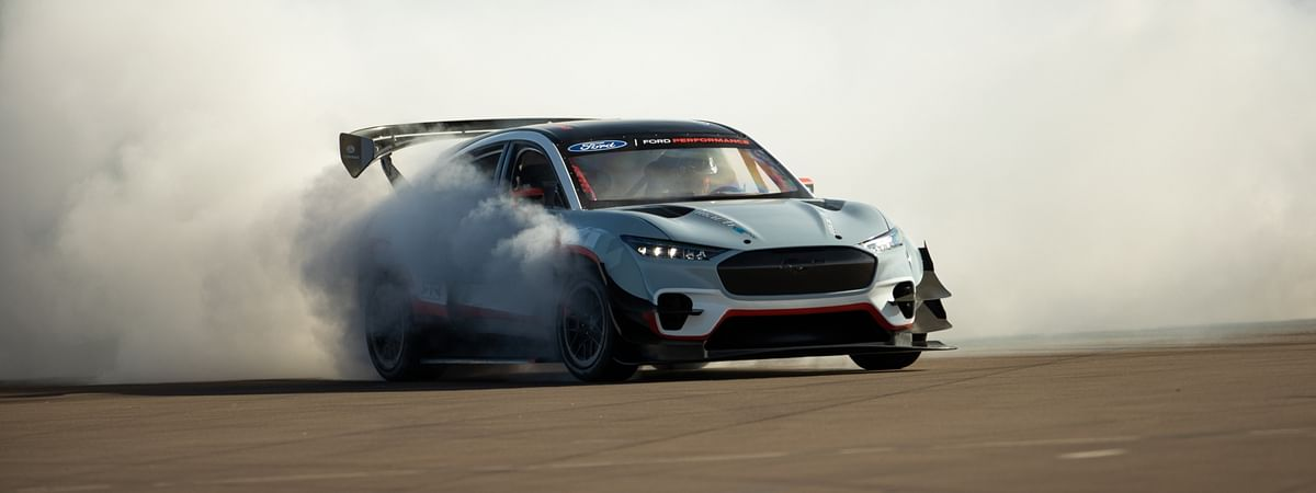 1400bhp, with a chassis that can handle the power anytime and anywhere