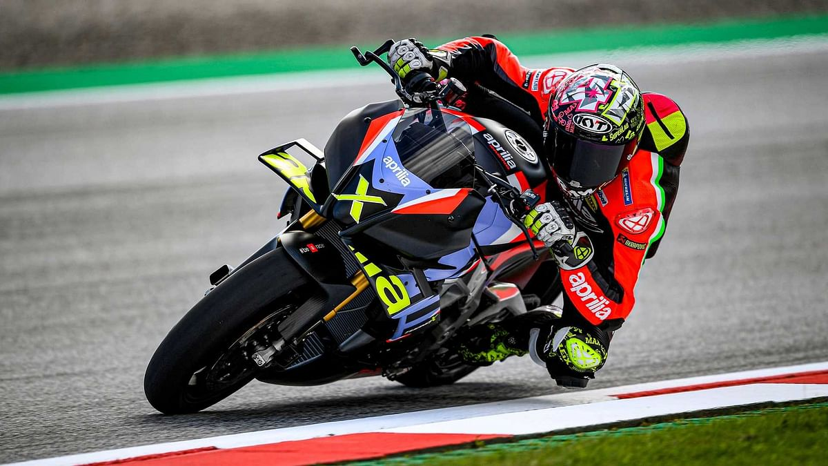 MotoGP rider Aleix Espargaro testing the Tuono V4 X on the track