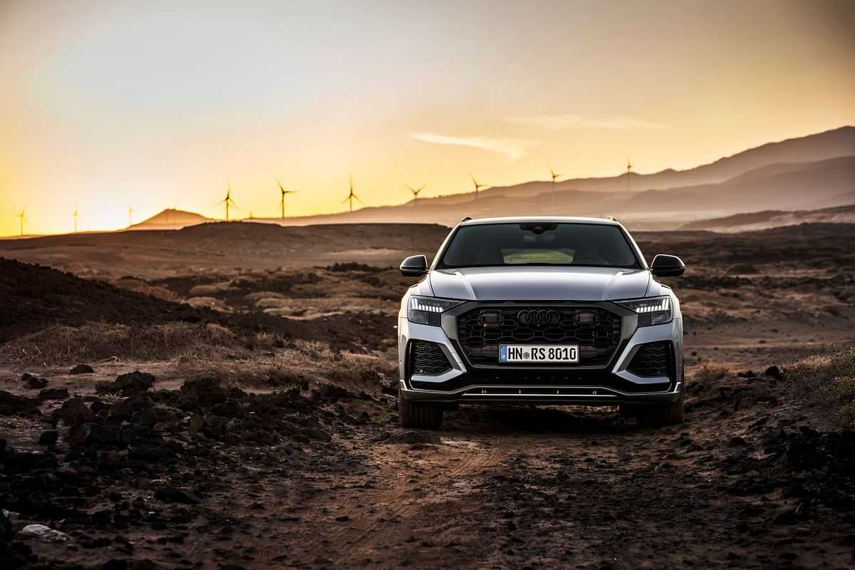 The optional adaptive air suspension lends great off-road capability to the RS Q8
